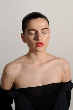 """Magdalena Czerwińska podczas kręcenia czołówki filmu """"Demakijaż"""" - 2ac5c25e4682440"""